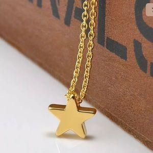 Jewelry - NWT • gold dainty star necklace